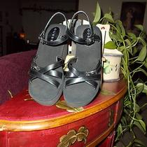 Guess Sandals Size 7 1/2 Wedgies Wedges Shoes Photo