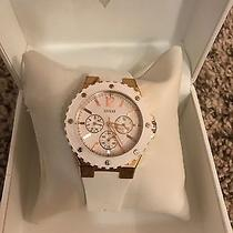 Guess White Rubber Banded Watch Photo