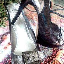 Guess Womens Heels Size 7 1/2 Photo