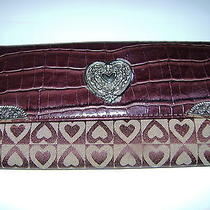 Heart More Hearts Ladies Trifold Wallet Brown Croc-Like Plus Hearts Valentine Photo