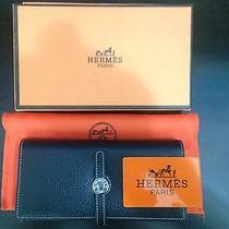 Hermes Wallet Photo