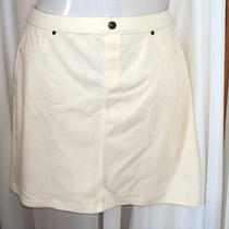 Hue Chino Chic Skirt Size Large Almost White Photo