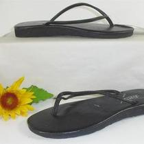 Hue Flips Black Embossed 5-6 M Thongs Sandals Shoes Photo