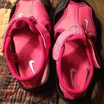 Infant Girls Nike Size 5 Photo