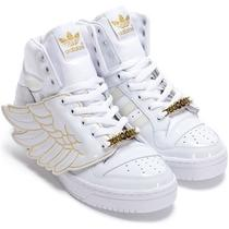 Jeremy Scott Wings Photo