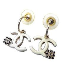 Jf Authentic Chanel Coco Mark Earrings White Used Photo