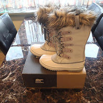 Joan of Arctic Winter Boots Photo