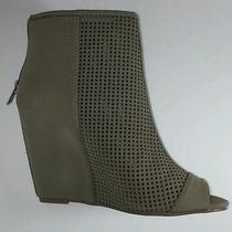 Juicy Couture Nessa Mushroom Zip 7 Med Sexy Womens Heels Shoe Boots New Ret 75 Photo