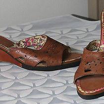 Kensie Wood Wedge & Leather Slides Size 9.   Photo