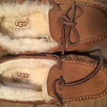 Kid's Ugg Slippers Size 1 Photo