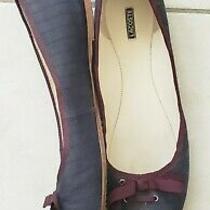 Lacoste Navy Blue Maroon Stripe Fabric Ballet Flat 9.5 Photo