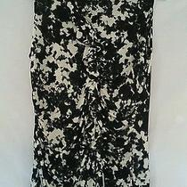 Ladies Casual Express Ruched Top Medium Sleeveless Black and White Ships Free Photo