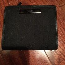 Ladies Gucci Wallet Photo