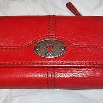 Ladies Red Leather Fossil Wallet. Photo