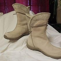 Ladies Winter Boots Photo