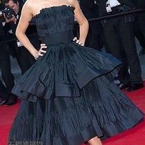 Lanvin Tiered Pleated Taffeta Dress 8010.00 Photo