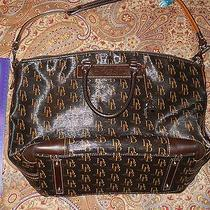 Large Dooney and Bourke Bag Photo