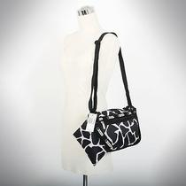 Le Sportsac Basic Camera 7523 Small Crossbody Bag Black Giraffe Photo