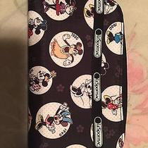 Le Sportsac Disney Wallet Photo