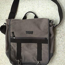 Levi's Sutherland Laptop Messenger Photo