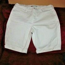 Levis Womens Size 12 White Stretch Denim Bermuda Shorts Waist 31