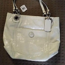 Like New Coach White Bag Excellent Condition Must See Photo
