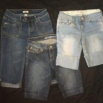 Lot of 3 Size 7 Capri/shorts. 2 So Brand 1 Guess Photo