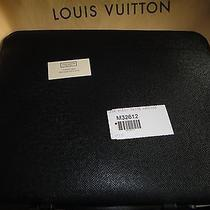 Louis Vuitton Busines Portfolio Photo