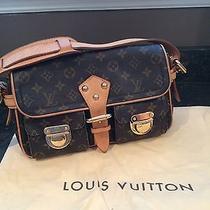 Louis Vuitton Hudson Shoulder Bag Photo
