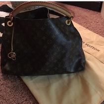 Louis Vuitton Large Artsy Handbag Photo