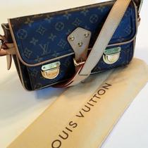 Louis Vuitton Lv Monogram Hudson Pm Shoulder Bag Purse Photo