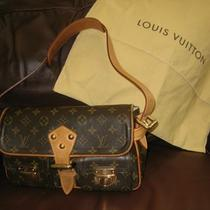 Louis Vuitton Monogram Canvas Hudson Pm  Handbag Photo