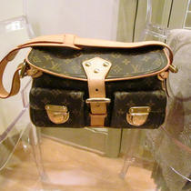 Louis Vuitton Monogram Hudson Handbag Photo