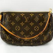 Louis Vuitton Monogram Pochette Photo