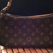 Louis Vuitton Pochette Photo