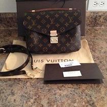 Louis Vuitton Pochette Metis  Photo
