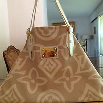 Louis Vuitton Tahitienne Pm Shoulder Bag - Beige Photo
