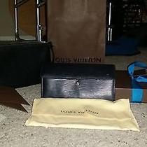 Louis Vuitton Wallet and Pochette Photo