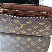 Louis Vuitton Zippy Wallet Photo