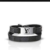 Louisvuitton Bracelet  Photo