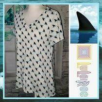 Lularoe Christy Women's Small Ivory & Blue Shark Fin v-Neck Short Sleeve Top Photo
