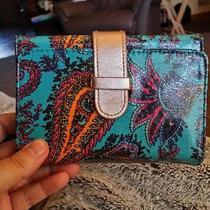 Lulu Wallet Photo