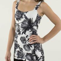 Lululemon Aria Tank Top Womens 4 Brisk Bloom Floral Black White Yoga Running  Photo