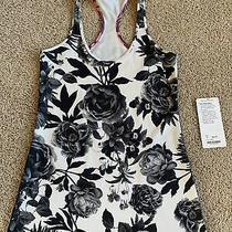 Lululemon Cool Racerback Tank Top Size 8 Brisk Bloom Black & White Floral Photo