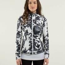 Lululemon Forme Define Jacket Brisk Bloom Black White Floral Women's Size 8 Photo
