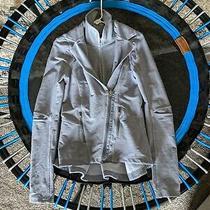 Lululemon Ride on Blazer - Fossil Gray Size 6. Rare Photo