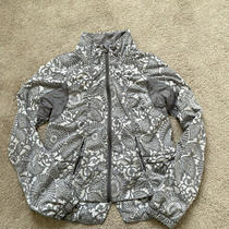 Lululemon Run Travel to Track Jacket Print Beachy Floral White Fossil Size 6 Photo