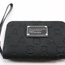 Marc Jacobs New Dreamy Wingman Black Emboss Neoprene Iphone Wristlet Wallet 88- Photo