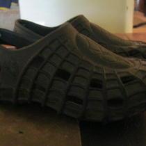 Marvel Spiderman Boys Size 12/13 Black Imitation Crocs Euc Photo
