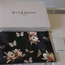 Medium Givenchy Magnolia Pouch Photo